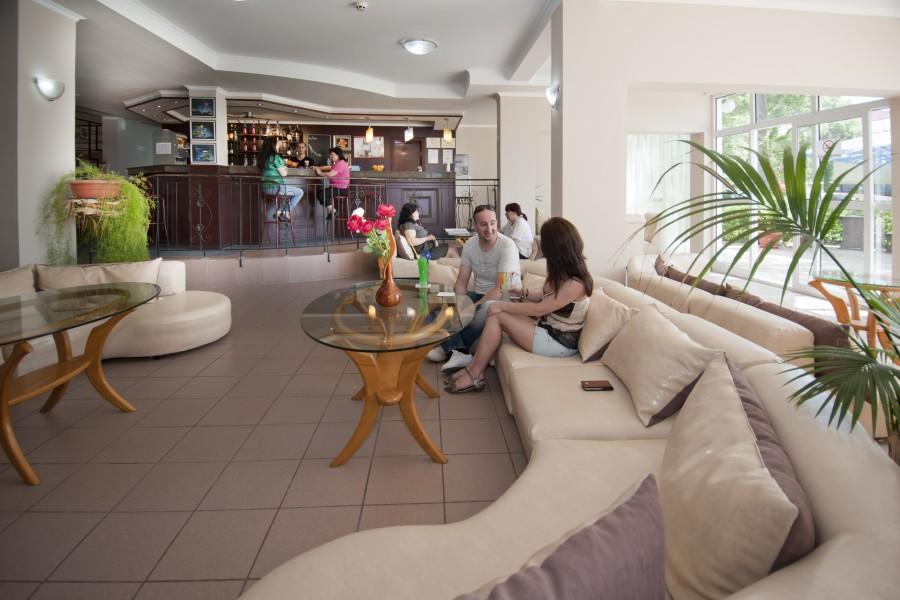 Regina Sunny Beach Lobby Bar